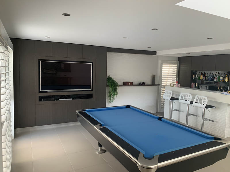 Specialised furniture bar pool table